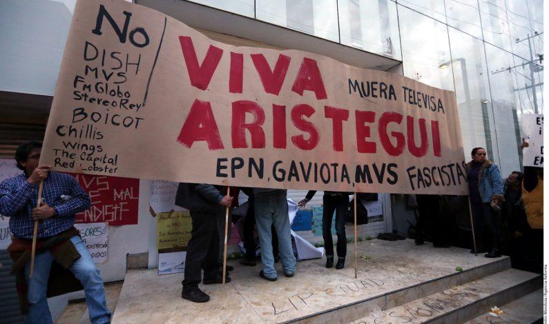 Cientos protestan por despido de Aristegui