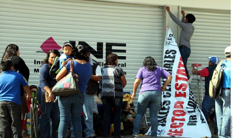 Toman sedes electorales por Ayotzinapa