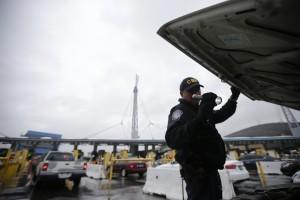 Los dos operativos fueron realizados en el puerto de entrada de Nogales. Foto: AP