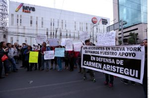 Las muestras de apoyo a Carmen Aristegui siguen aumentando por parte de intelectuales, periodistas y la ciudadanía. Foto: Agencia Reforma