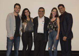 El productor Roberto Hernández (al centro), Mane de la Parra, Renata Notni, Alejandra García y Pedro Moreno. Foto: Cortesía de Televisa