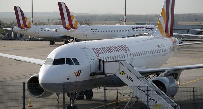 Acusa procurador francés al copiloto de hacer caer avión