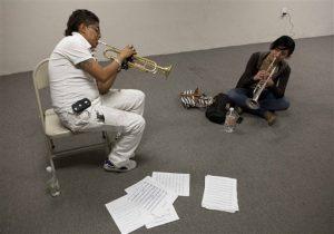 La Fundación Cultural Latin Grammy anunció el jueves 26 de febrero del 2015 que otorgará más de medio millón de dólares en becas para estudiantes universitarios de música latina, así como 20.000 dólares en fondos para instituciones y personas que investigan y preservan géneros musicales de Latinoamérica. (AP