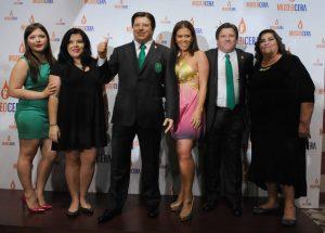 Miguel Herrera estuvo apoyado por su mamá, su esposa y sus hijas. Foto: Mixed Voces