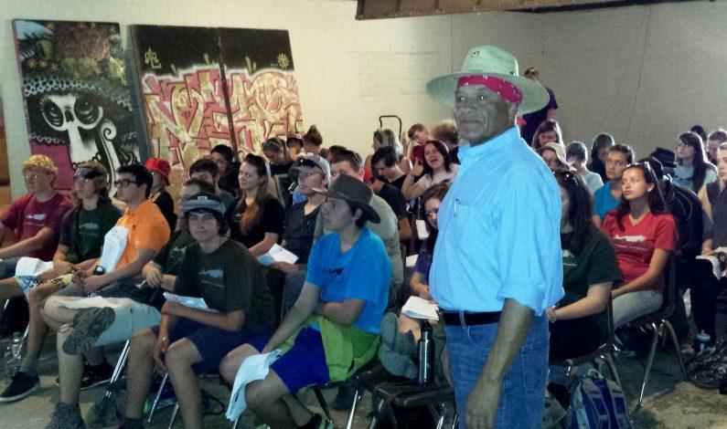 Aprenden sobre legado de César Chávez