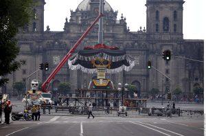 Otro de los empleados de seguridad sostuvo que hoy se abriría totalmente el acceso al Zócalo.