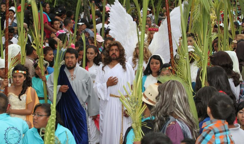 Tras siete intentos, joven compositor será el Cristo en Iztapalapa