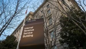 El IRS dijo que su principal sistema de computadoras, que maneja las declaraciones de impuestos, sigue seguro. Foto: AP