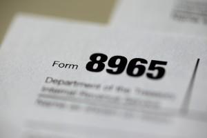 El IRS exhorta a los contribuyentes a suscribirse para recibir consejos útiles para los impuestos. Foto: AP