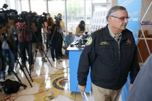 Las audiencias de desacato contra Arpaio, que comenzaron en abril, se reanudarán el 22 de septiembre. Foto: AP