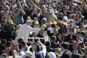 Francisco será el tercer papa que va a la isla desde la histórica visita en 1998 de San Juan Pablo II. Foto: AP