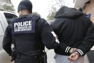 El sistema migratorio de Estados Unidos creció en 500 por ciento entre 1994 y 2013 al pasar de una población promedio diaria de detenidos de seis mil 785 inmigrantes indocumentados a 34 mil 260. Foto: AP