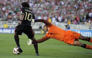 """Están considerados los jugadores habituales como Javier """"Chicharito"""" Hernández, Jonathan y Giovani Dos Santos. Foto: AP"""