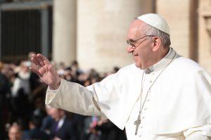 Durante unas cuatro horas, Jorge Mario Bergoglio visitó cuatro organismos ubicados en un mismo edificio. Foto: Notimex