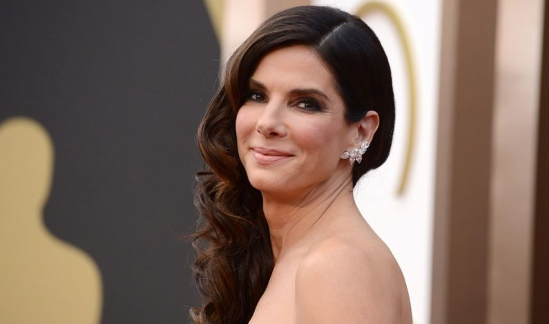 """Sandra Bullock: La """"mujer más hermosa"""" de People"""