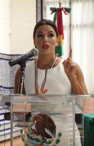 50505089. Washington.-  Como parte de la conmemoración del 153° aniversario de la Batalla de Puebla, el subsecretario para América del Norte, Sergio Alcocer encabezó este martes la entrega del reconocimiento Ohtli nacional a Eva Longoria y Javier Palomarez, por su trabajo a favor de la comunidad mexicana e hispana en Estados Unidos, durante una ceremonia, en el Instituto Cultural de México en Washington. NOTIMEX/FOTO/JOSÉ LÓPEZ ZAMORANO/COR/ACE/