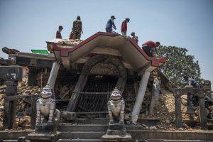 El Ministerio nepalés del Interior confirmó que al menos 36 personas murieron y otras mil 129 resultaron heridas a consecuencia del sismo. Foto: Notimex