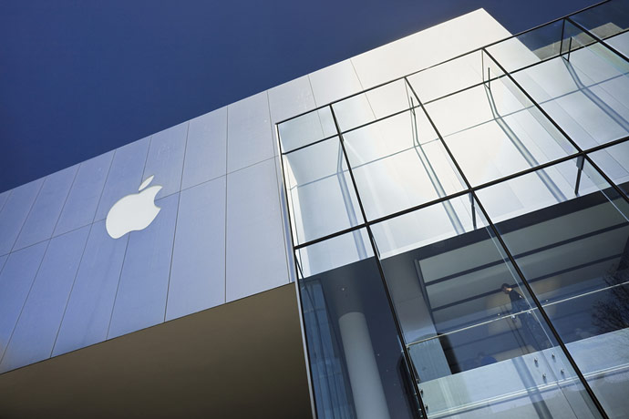 Apple retira adaptadores por temor a electrocuciones