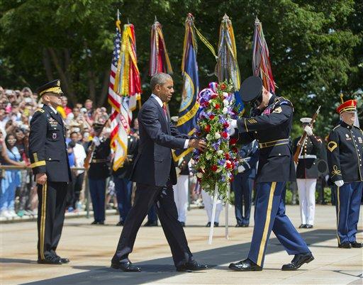 Obama rinde homenaje a caídos