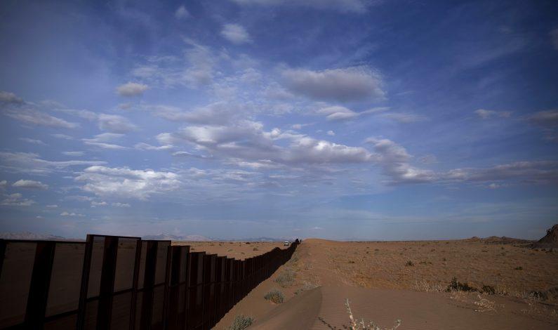 Patrulla Fronteriza rescata a dos indocumentados en desierto de Yuma