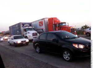 El percance ocurrió a la altura del municipio de Río Bravo en la carretera que conecta Reynosa con Matamoros. Foto: Agencia Reforma