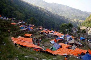 Cientos de personas se agolpan en los campamentos de refugiados improvisados. Foto: Notimex