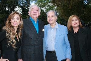 Don Emilio tiene 45 años de carrera como productor, trabajando con grandes figuras. Foto: Mixed Voces.
