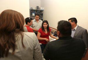 Dorotea García arribó al Juzgado Primero en materia civil con sede en Los Reyes Michoacán para encontrarse con la que se presume es su hija, Alondra Díaz. Foto: Notimex