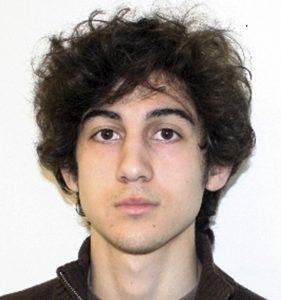 Dzhokhar Tsarnaev, el único acusado por los atentados explosivos contra la maratón de Boston, en fotografía que difundió el FBI el viernes. Foto: AP