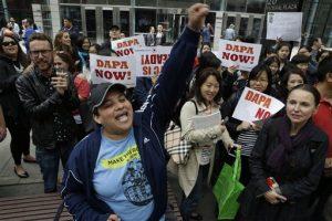 Inmigrantes y activistas de distintas partes de Estados Unidos salieron a la calle para exigir la activación de un programa de alivio migratorio (AP Photo/Mary Altaffer)