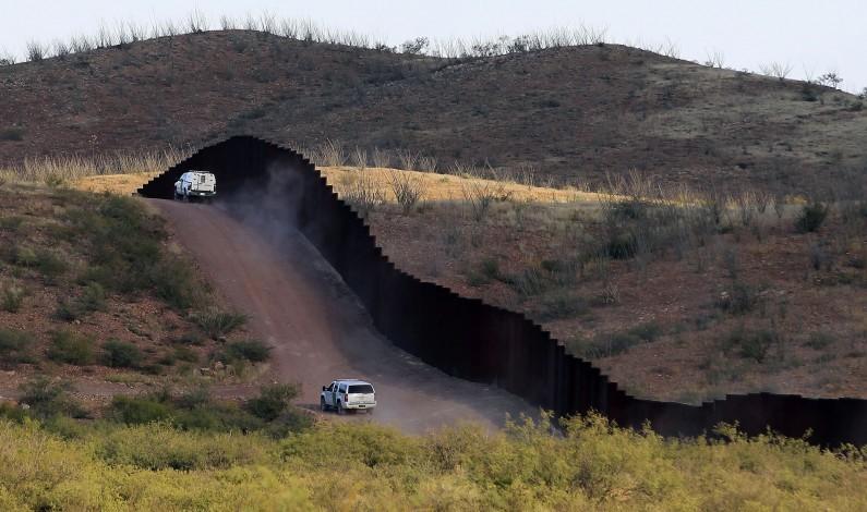 Hallan cadáver de inmigrante en desierto de Arizona