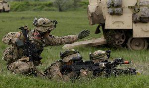 La aprobación del permiso de entrada al país puede obtenerse más fácilmente si el familiar estadounidense está enlistado en el ejército. Foto: AP