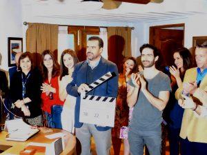 """Gran parte del elenco estuvo presente en el """"claquetazo"""" oficial, encabezado por el productor Carlos Moreno. Foto Cortesía: Televisa"""