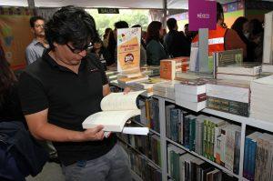El evento conmemora de manera posfechada el Día Internacional del Libro y del Derecho de Autor, que se celebra el 23 de abril. Foto: Notimex