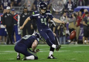 Seattle Seahawks kicker Steven Hauschka (4) kicks a field goal during the second half of NFL Super Bowl XLIX football game against the New England Patriots Sunday, Feb. 1, 2015, in Glendale, Ariz. (AP Photo/Mark Humphrey)