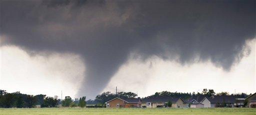 Tornados en Texas y Arkansas dejan muertos y heridos