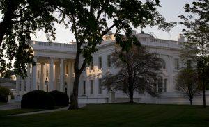 La ley permite al gobierno federal realizar espionaje electrónico a cargo de la Agencia de Seguridad Nacional (NSA). Foto: AP