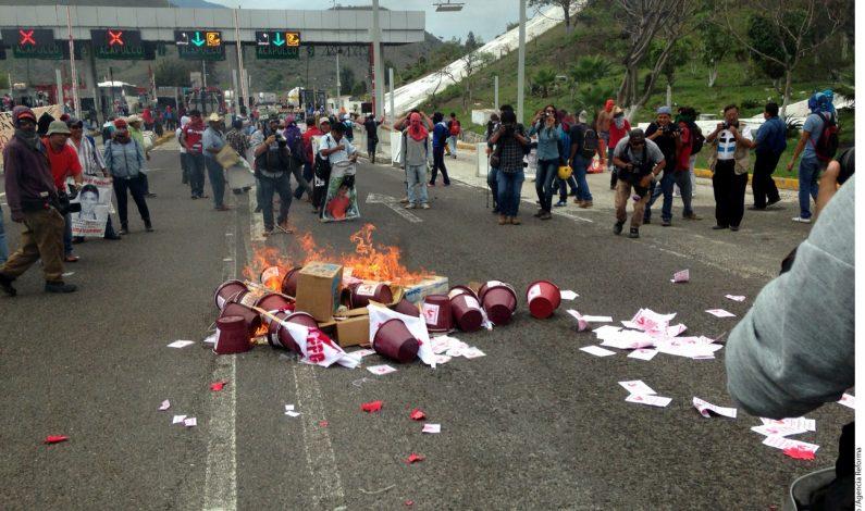 Protestan en Ayotzinapa por elecciones