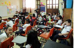 Las escuelas públicas  comenzaron ayer sus actividades cotidianas. Foto: Agencia Reforma
