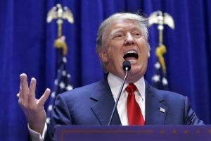 Una petición en internet para que NBC se desvincule de Donald Trump por sus declaraciones sobre los inmigrantes mexicanos ha recabado más de 200 mil firmas. Foto: AP
