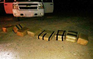 Aproximadamente 180 libras de marihuana fueron ingresadas a Estados Unidos desde México en un go-kart. Foto: AP