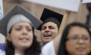 De haber tenido éxito la iniciativa hubiera duplicado el costo de las colegiaturas para muchos alumnos. Foto: AP