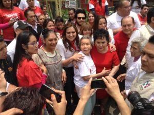 Carmen Salinas demuestra su popularidad. Foto: Cortesía