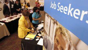 La salud del mercado laboral continúa siendo favorable a pesar del alza. Foto: AP