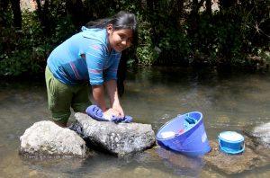 Oxfam México advirtió que la profunda desigualdad afecta el propio crecimiento económico del País. Foto: Notimex
