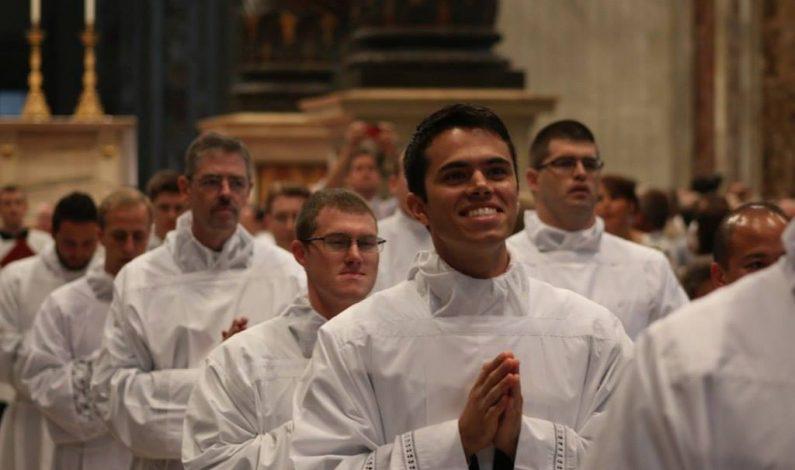 Exclusiva: La fe de un joven mexicano al servicio de Dios