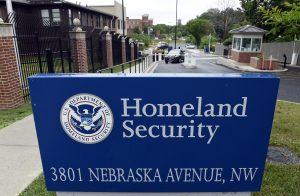 Los hackers que irrumpieron en una base de datos federal robaron datos personales y números de Seguro Social de todos los empleados del gobierno, indicó un sindicato federal el jueves. Foto: AP