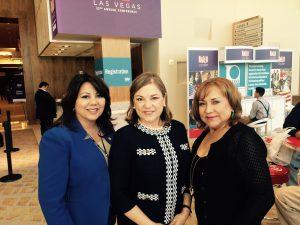 Sandra Perez, vice alcalde de la ciudad de Doral, Florida; la congresista de California Loreta Sanchez y Susana Posada, de la ciudad de Phoenix, en la conferencia de NALEO. Foto: Mixed Voces