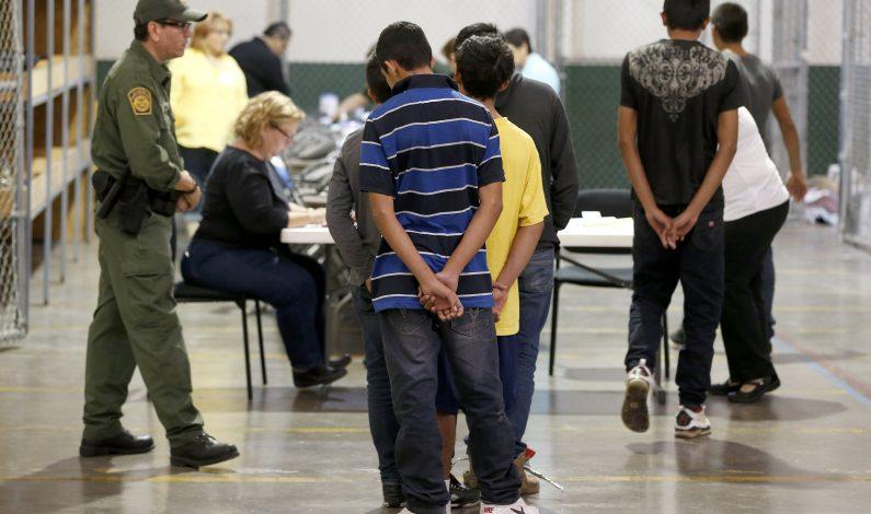 Alegan que agencia migratoria violó derechos de detenidos