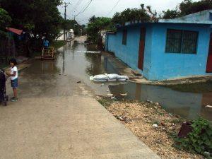 La lluvia extraordinaria de más de 100 milímetros que se presentó anoche en las inmediaciones de la zona de Pesqueira, al norte de la cuenca del río San Miguel. Foto: Notimex